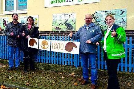 Das Bäckermeister-Ehepaar Buck (li.) mit John F. Pyka und Sonja Schape